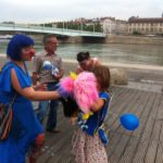 Journée de la Famille - place Antonin Jutard - Lyon - distribution CFTC conviviale avec des clowns- 19 juin 2013